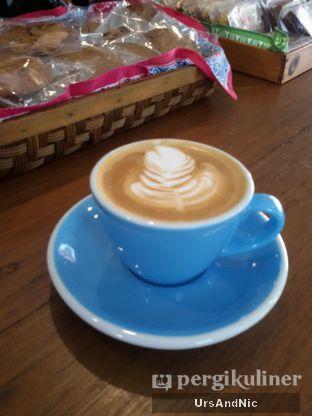 Foto 2 - Makanan(Latte) di Ombe Kofie oleh UrsAndNic