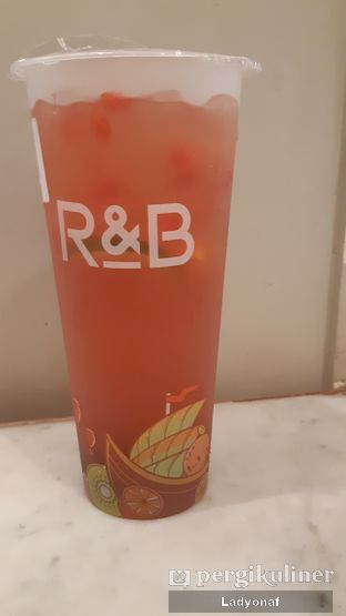 Foto 1 - Makanan di R&B Tea oleh Ladyonaf @placetogoandeat