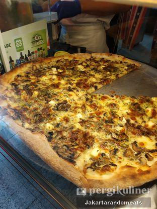 Foto 3 - Makanan di Pizza Place oleh Jakartarandomeats