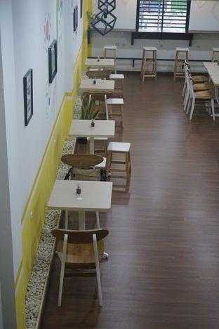 Foto 10 - Interior di Koma Cafe oleh yudistira ishak abrar