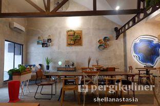 Foto 7 - Interior di Kona Koffie & Eatery oleh Shella Anastasia