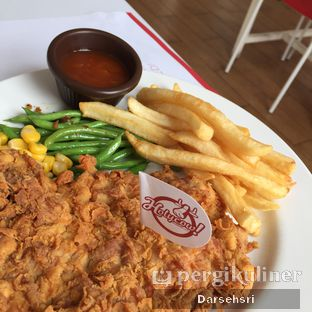Foto 5 - Makanan(Chicken Steak) di Holycow! STEAKHOUSE by Chef Afit oleh Darsehsri Handayani