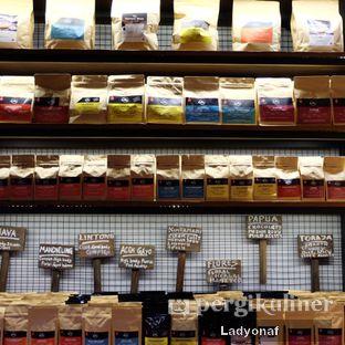 Foto 7 - Interior di Kopi Boutique oleh Ladyonaf @placetogoandeat