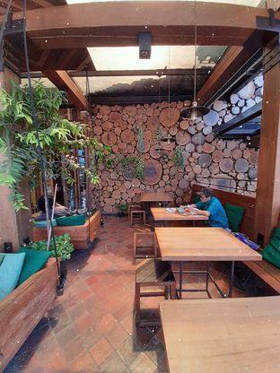 Foto 5 - Interior di Eiger Coffee oleh Amadda