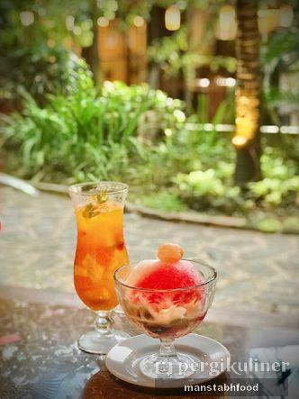 Foto Makanan di Taman Santap Rumah Kayu