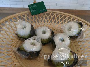Foto 8 - Makanan di Rokue Snack oleh Tirta Lie