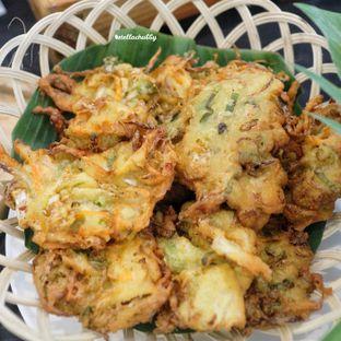 Foto 4 - Makanan(Gorengan) di Canting Restaurant - Teraskita Hotel managed by Dafam oleh Stellachubby