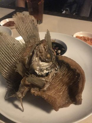 Foto 2 - Makanan(Ikan Gurame Goreng) di Talaga Sampireun oleh Raisa Cynthia