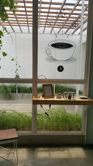 Foto 4 - Interior di Threelogy Coffee oleh Tifany F