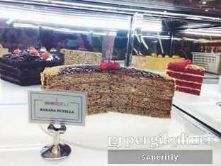 Foto 1 - Interior(cake display) di Domi Deli oleh @supeririy