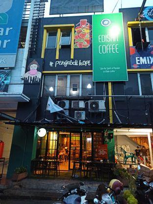 Foto 3 - Interior di Edisan Coffee oleh Rachmat Kartono