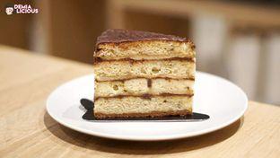 Foto 2 - Makanan(Banana Cake) di Sawo Coffee oleh @demialicious