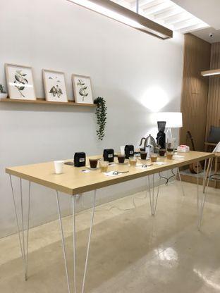 Foto 26 - Interior di Aiko Coffee oleh Prido ZH