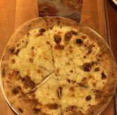 Foto Cheese pizza di Popolamama