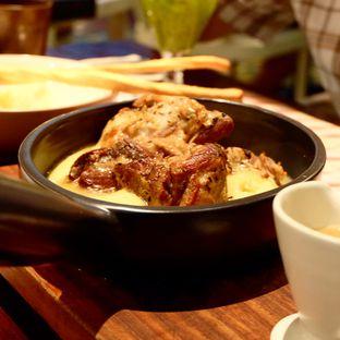 Foto 1 - Makanan di Ocha & Bella - Hotel Morrissey oleh Lydia Fatmawati