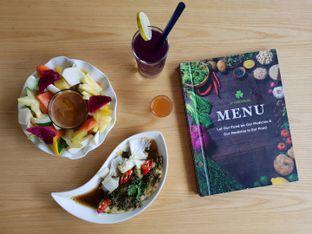 Foto 1 - Makanan di D'Natural Healthy Store & Resto oleh Amrinayu