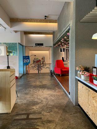 Foto 9 - Interior di Home Brew Coffee oleh Deasy Lim