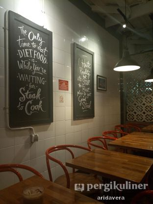 Foto 5 - Interior di Steak Hotel by Holycow! oleh Vera Arida