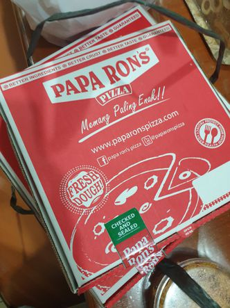 Foto Interior di Papa Ron's Pizza