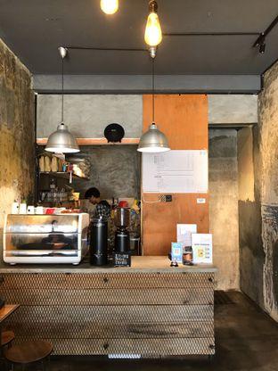 Foto 10 - Interior di Kopi + Susu oleh yudistira ishak abrar
