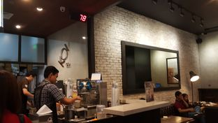 Foto 4 - Interior di KOI Cafe oleh Windy  Anastasia