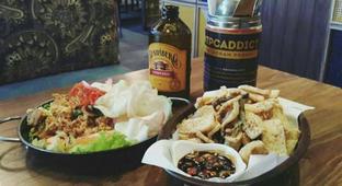 Foto 1 - Makanan di The People's Cafe oleh Alfabetdoyanjajan