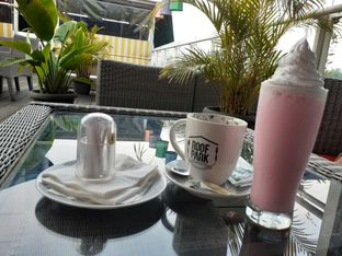 Foto review ROOFPARK Cafe & Restaurant oleh Threesiana Dheriyani 2