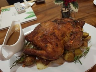 Foto 2 - Makanan(Whole chicken x'mas) di Petrichor Cafe & Bistro oleh Laurent Nanz