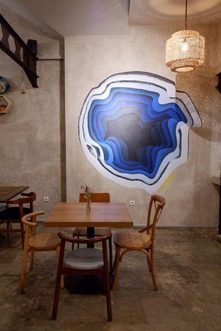 Foto 6 - Interior di Kona Koffie & Eatery oleh yudistira ishak abrar