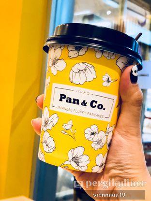 Foto 1 - Makanan(hot sakura latte) di Pan & Co. oleh Sienna Paramitha