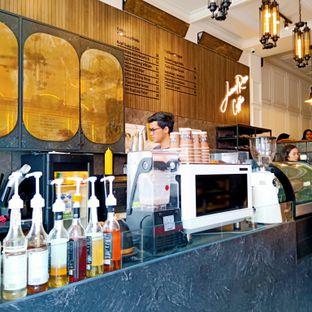 Foto 3 - Interior di JurnalRisa Coffee oleh Kuliner Addict Bandung