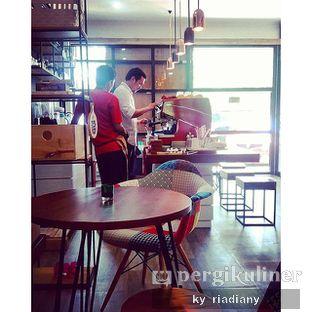 Foto 2 - Interior di Neighborhood Coffee oleh ky_ riadiany