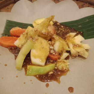 Foto 2 - Makanan(Rujak manis) di Arumanis - Bumi Surabaya City Resort oleh Fensi Safan