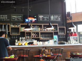 Foto 14 - Interior(Bar) di Open Door oleh Vincentia Stepfanie
