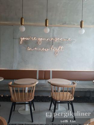 Foto 9 - Interior di Coffeeright oleh Selfi Tan
