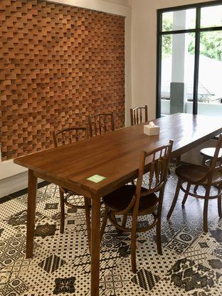 Foto 3 - Interior di de'CLAN Resto & Cafe oleh Prido ZH