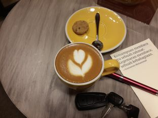 Foto 3 - Makanan di Coffeedential Roastery & Dessert oleh @stelmaris