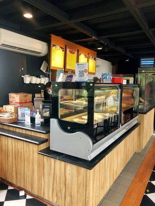 Foto 1 - Interior di Saint Cinnamon & Coffee oleh kdsct