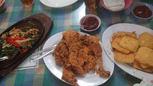 Foto 1 - Makanan di Ayam Goreng Suharti oleh Review Dika & Opik (@go2dika)