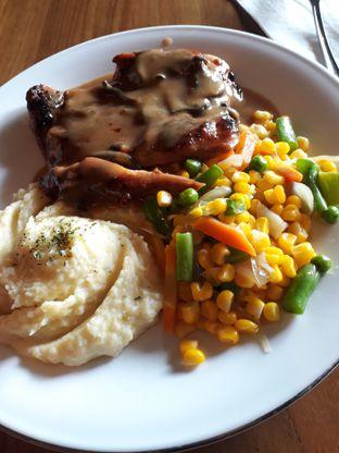Foto 2 - Makanan di Abuba Steak oleh lovefoodlovers