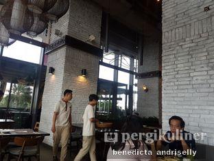 Foto 2 - Interior di Bebek Tepi Sawah oleh ig: @andriselly
