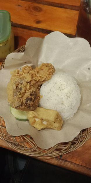 Foto 3 - Makanan di Ayam Goreng Nelongso oleh Joshua Michael