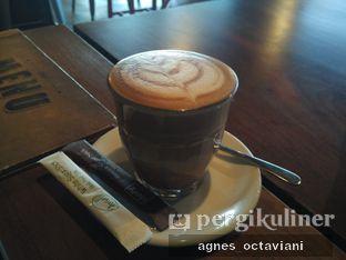 Foto 1 - Makanan(Caffe Mocha) di Six Degrees oleh Agnes Octaviani