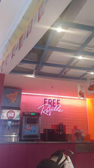 Foto 6 - Interior di Flip Burger oleh Sandya Anggraswari