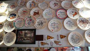 Foto 6 - Interior di Pizza Place oleh thehandsofcuisine