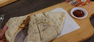 Foto 1 - Makanan di Master Cheese Pizza oleh Risyah Acha