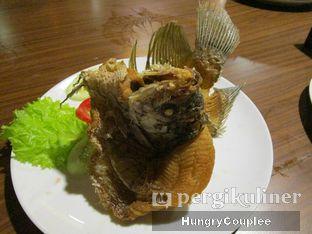 Foto 3 - Makanan di Talaga Sampireun oleh Hungry Couplee