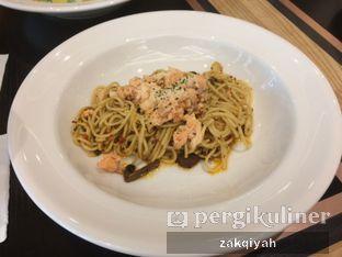 Foto 1 - Makanan(Aglio Oglio Salmon) di Liberica Coffee oleh Nurul Zakqiyah