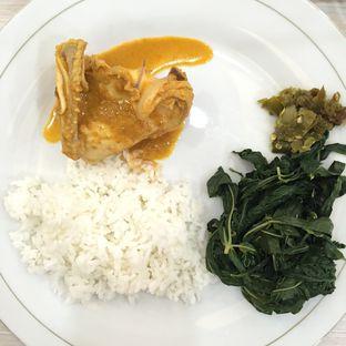 Foto 2 - Makanan di RM Indah Jaya Minang oleh Prajna Mudita