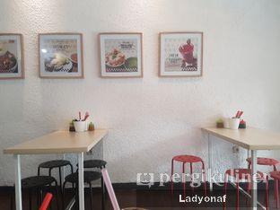 Foto 4 - Interior di Sam's Strawberry Corner oleh Ladyonaf @placetogoandeat